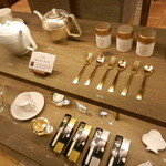 テヴェール - THE'VERT(テヴェール)×猿山修氏の緑茶のためのティーポットとTHE'VERT(テヴェール)×濱中史朗氏のティーカップ・茶器