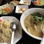 ピリカ - 料理写真:土曜日のランチセット900円