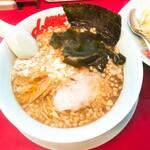 ラーメン山岡家 - 料理写真:プレミアム醤油とんこつ