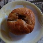 高原のパン屋 麦の家 - まいたけバター 147円
