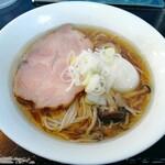 127423382 - 「カキ正油らぁ麺」1070円