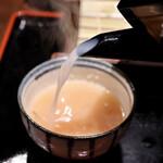 炙りもんと蕎麦 満月 - そば湯