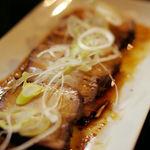 酒肴蕎麦 日和り - まっくろ煮豚(680円)