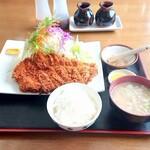 一かつ びすとろ - 料理写真:チキンカツ定食