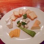 127431892 - チーズ盛り合わせ