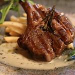 チーズ家 Quelle - オーストラリア産ラム肉のグリル スティルトンのソース