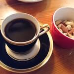 カフェ ド ギャルソン - キリマンジャロとミックスナッツ