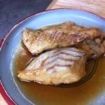 磯や - タイのアラ煮