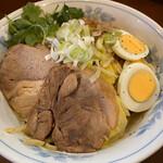 らーめん 陸 - まぜそば(950円)