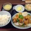 順香 - 料理写真:ちぎりピーマンと揚げた鶏肉の炒め物