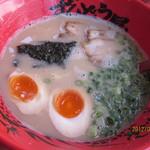 ラー麺 ずんどう屋 - 味玉ラーメンが一番人気!