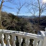127473801 - 天気がよくて、清々しい風が心地いい景色