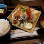 鳥一代 - 若鶏の唐揚げさっぱりおろしポン酢・ご飯大盛(900円)