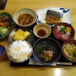 こむすび - 今晩の定食(1000円)