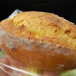 モンチッチ - かぼちゃの天然酵母パン