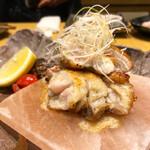 北ノ酒場 TACHIPPA - ジューシー大山鶏(岩塩焼き)