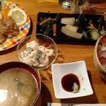 キャッスル - 海鮮ちらし丼1000円