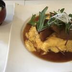 カフェ 楽 - 料理写真:角煮の大きさがわかる写真?