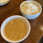 中華バルSAISAI。 - ごはん、こーんとたまごのスープ