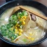 菜麺 - みそラーメン600円