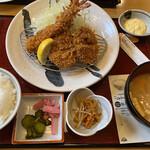 かつ波奈 - 料理写真:エビフライ1本・ヒレカツ2枚定食♡