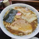 青梅街道 大勝軒 - ワンタン麺