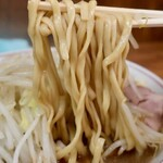 ラーメン二郎 - ラーメン・ヤサイニンニク(700円)