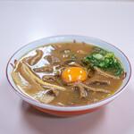 127555085 - 中華そば(中盛肉入)+生玉子(ヨード卵)