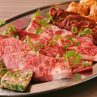 """一頭買いにこだわり、本当に美味しい上質な牛を選び抜いた""""肉"""""""