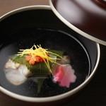 つきはし - 焼甘鯛の桜葉包みのお椀