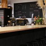 カフェ エ アペロ - カウンター