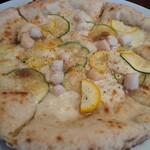 127580215 - ツナと小柱のピザ