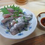 大鮨 - サービスの鰯の刺身