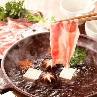 【最強コスパ】すき焼き鍋と単品100品以上食べ飲み放題コース