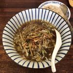 中嶋飯店 - 味付きヒキ肉野菜炒め正油ラーメン  ミニチャーハン付 700円