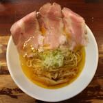 世界が麺で満ちる時 - オレンジファントム(750円、真上から)