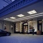 ホテル ラ・スイート神戸ハーバーランド - ヨーロッパの邸宅を思わせるエレガントなメインエントランス