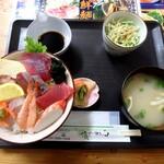 小さな和風レストラン 笑福 - 海鮮丼(竹)¥880
