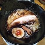 127608010 - 鶏白湯ラーメン黒