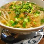 ウィンズ - スープの脂がほどよい感じ