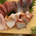 海鮮屋台おくまん - お刺身五種盛り