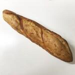 127617165 - フランスパン