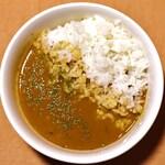 麺屋 丸鶏庵 - 鶏白湯カレー