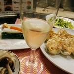 餃子の店 もも - 白ワインと共にっ!