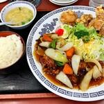 まんぷく亭 - サービス定食B  ご飯中 759円税込