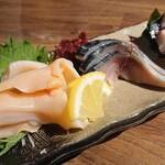 魚屋ひでぞう - 刺身盛合せ 白バイ貝、〆鯖、水タコ