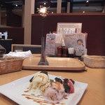 石焼ステーキ 贅 - お誕生日でデザートのサービス(*´艸`*)
