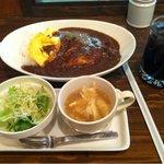 アーバンヒーローズ - チーズオムレツカレーセット700円
