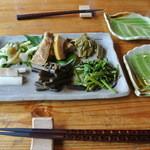 誇宇耶 - 旬の山菜盛り合わせ ¥600
