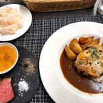 マヌカ - デミチーズハンバーグ&ハラミ